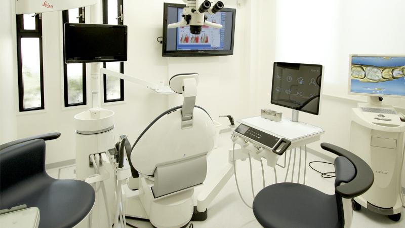 新しい設備を備えた総合医療室